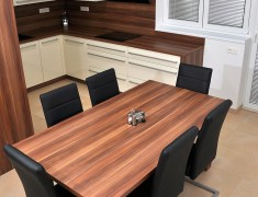 Stůl 1